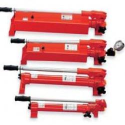 Pompy ręczne dla cylindrów jednostronnego działania