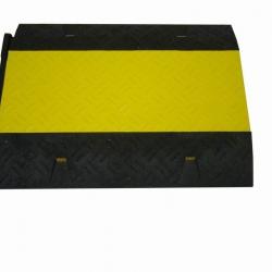 Najazd kablowy z pokrywą w kolorze żółtym