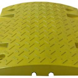 Próg zwalniający żółty - 20 km/h