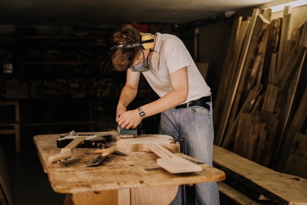 Polerowanie drewna - sprzęt i wykonanie