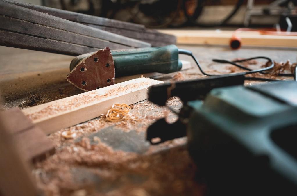 Jak stworzyć i wyposażyć własny warsztat stolarski?